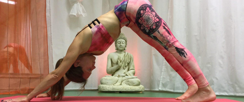 Yoga Ashtanga downward facing dog